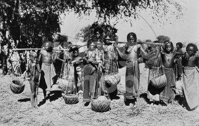 Africa Orientale Italiana - Portatrici d'acqua