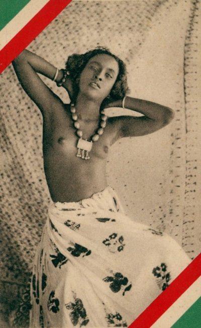 Africa Orientale Italiana - Giovane bellezza somala in posa