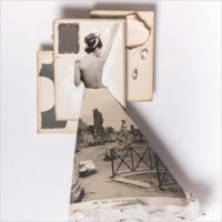 Sara Lovari. Le charme dans le miroir