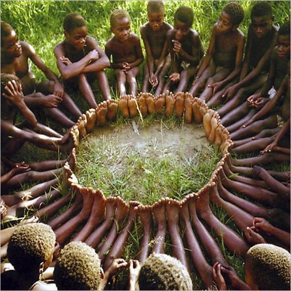 Ubuntu - I am because we are: 150 manifesti per la solidarietà