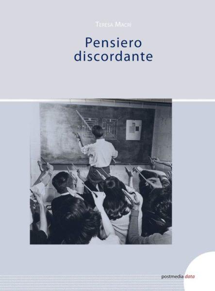 """Presentazione del libro """"Pensiero discordante"""" di Teresa Macrì"""