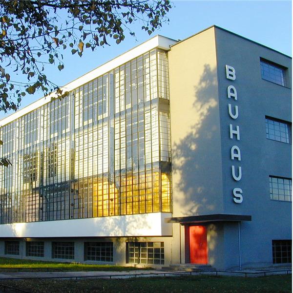 Cento anni di Bauhaus. Doppio appuntamento per il centenario della celebre scuola
