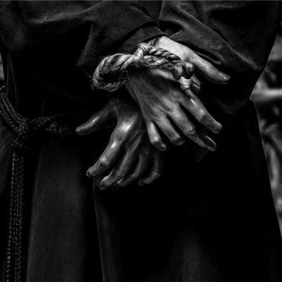 Scatti di fede. Mostra fotografica di Filippo Peretti e Lucia Musio