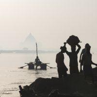 Gange: rivers of life, river of death. Le foto di Mauro Talamonti ad Alex Bellini