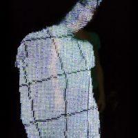 Neural Mirror. Installazione di AI che crea Alter Ego digitali