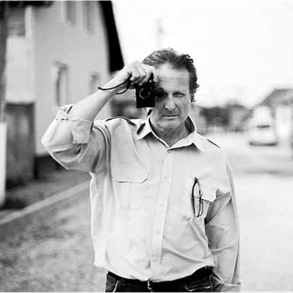 Incontro con Carlo Mari: Un ritratto per l'estate