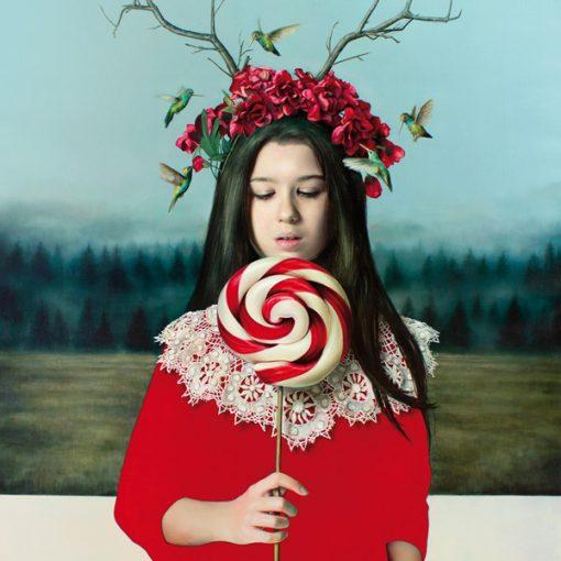Elisa Anfuso. Eyes wide shut