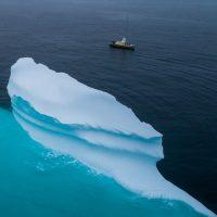 In barca a vela ai confini del Polo, sulle tracce del dirigibile Italia