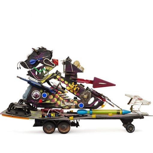 Flycat. The piece (peace) maker