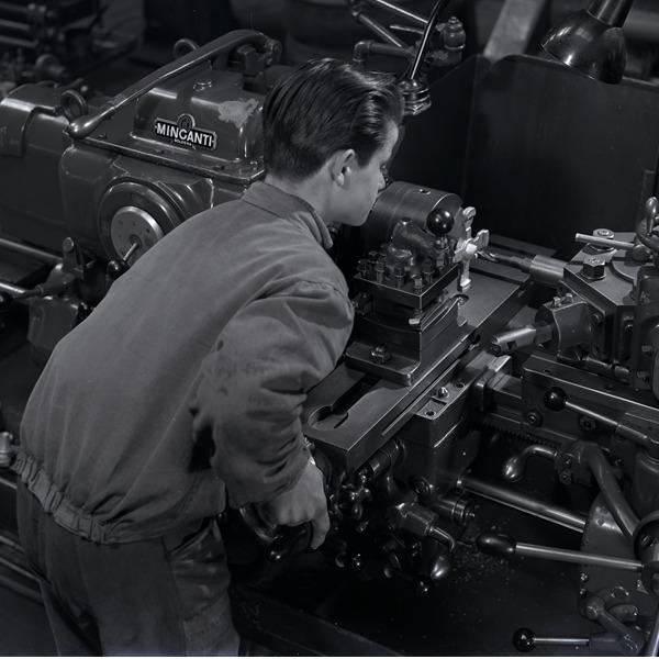 Noi siamo la Minganti - Bologna e il lavoro industriale tra fotografia e memoria (1919-2019)