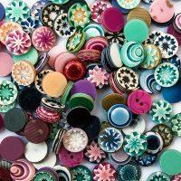 """""""Tutto cominciò da un bottone..."""": la mostra dedicata alla designer Lea Stein"""