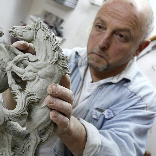 Volterra e l'Istituto Europeo di Design insieme per una grande mostra sull'alabastro\