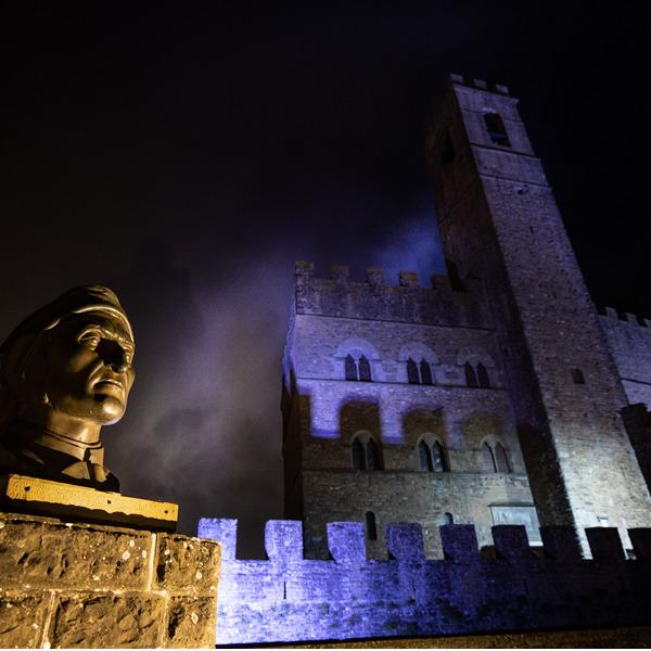 Dante 700 - Un ritratto di Dante e i luoghi del Poeta nelle fotografie di Massimo Sestini