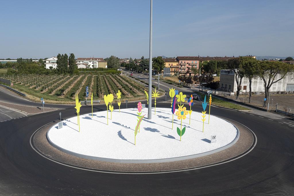 Nuova rotatoria d'arte all'ingresso della città di Forlì con installazione di Massimo Sansavini