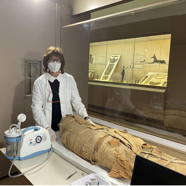 Oltre le bende: storia di un antico egiziano